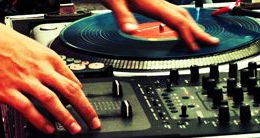 TURNTABLISM AND SCRATCH